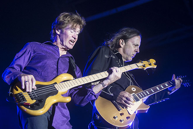 George Thorogood and the Destroyers 3